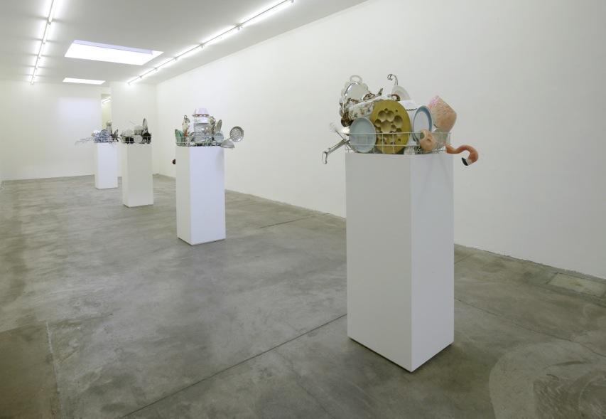 Nicole Wermers. Austern mit Senf-Ostriche con Senape. exhibition view @ Galleria S.A.L.E.S. 6giu13.(g) 350dpi