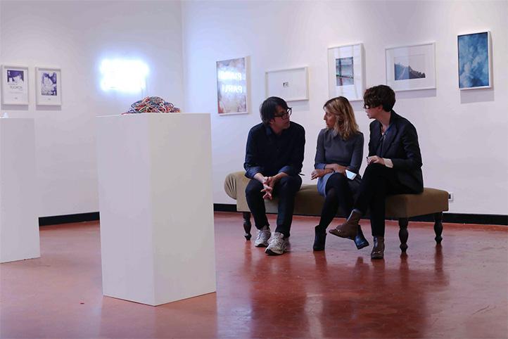 The Milky Way 2, a cura di Damiana Leoni, mostra di beneficenza per Pianoterra Onlus, veduta dell'installazione a Studio SALES di Norberto Ruggeri.d